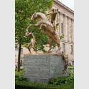 Atelier Van Lieshout: The Monument. © Atelier Van Lieshout, Kolonnadenhof, Nationalgalerie – Staatliche Museen zu Berlin / Thomas Bruns