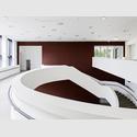 Innenansicht des Erweiterungsbau des Sprengel Museums Hannover, Innenansicht Treppe. Foto: Sprengel Museum Hannover, Georg Aerni.