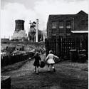 Rudolf Holtappel: Vor August-Thyssen-Hütte, Duisburg-Hamborn 1959,Ludwiggalerie Schloss Oberhausen © Nachlass Holtappel