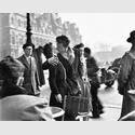 Robert Doisneau: Le Baiser de l'Hôtel de Ville, Paris, 1950. © Atelier Robert Doisneau, 2016
