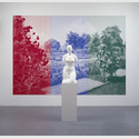 Katharina Fritsch: 1. Gartenskulptur (Torso), 2005. 1. Postkarte (Essen), 2006, Polyester, Farbe, Siebdruck, Kunststoff, 200 x 40 x 40 cm / 280 x 400 cm, Foto: Ivo Faber, © VG Bild-Kunst, Bonn 2016