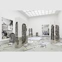 Peles Empire: Grid, 2017. Ausstellungsansicht Kunstverein Hannover, 2017. Foto. Raimund Zakowski, Courtesy die Künstlerinnen, Wentrup, Berlin.