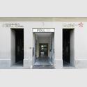 Eingangsbereich der Galerie Poll Berlin. Foto: Richard Thieler.